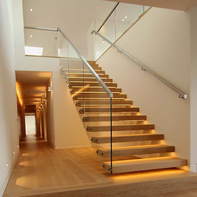 Palace-cantilever-timber-glass-staircase