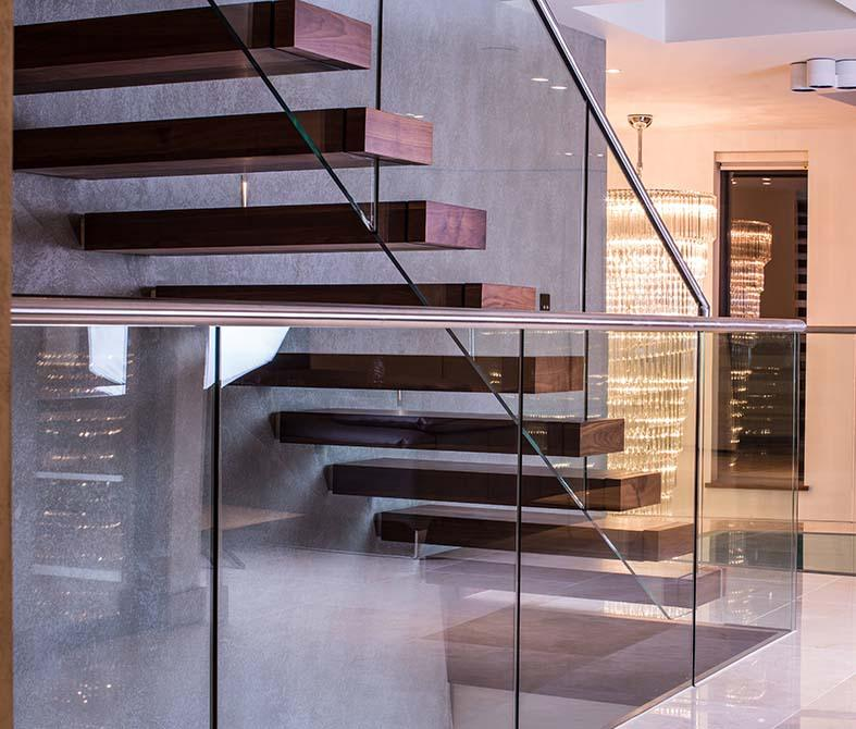 Warrick-cantilever-steel-timber-staircase