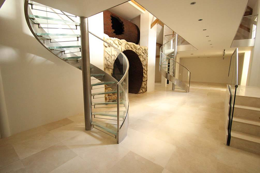 Westwood-Spiral-glass-staircases