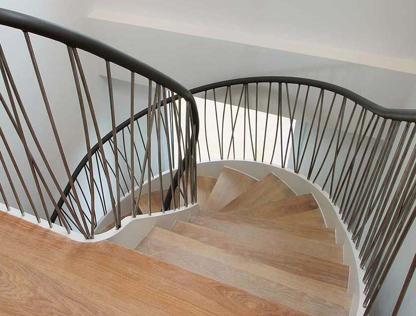 Leather handrail with stainless steel balustrade