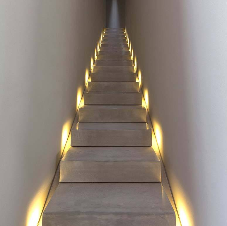 Staircase lighting ideas to brighten up your home staircase lighting wall mozeypictures Image collections
