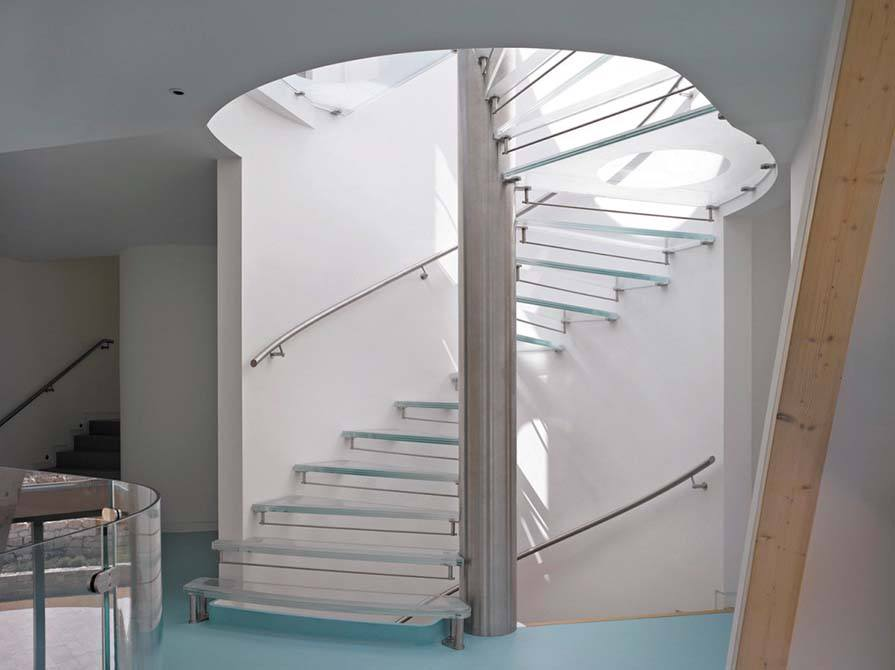 downley Bespoke Glass Staircase