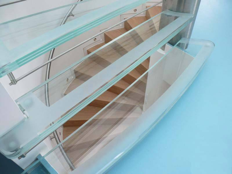 downley-stainless-steel-staircase-risers