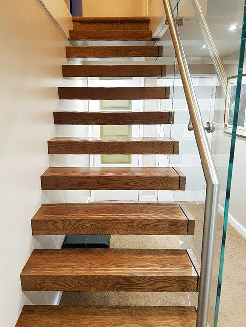 bradgate-cantilever-floating-timber-stairs