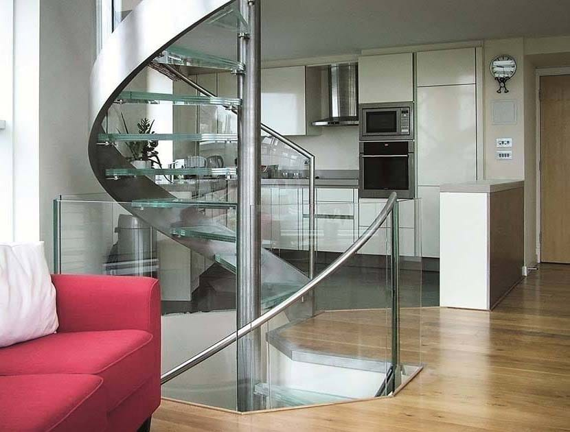 Residential stainless steel handrail