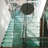 contemporary-glass-staircase-tn