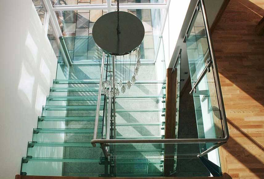 Attrayant How To Incorporate Glass Into Your Staircase