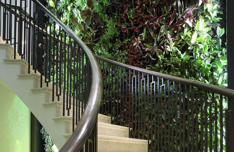 Helical residential curved staircase