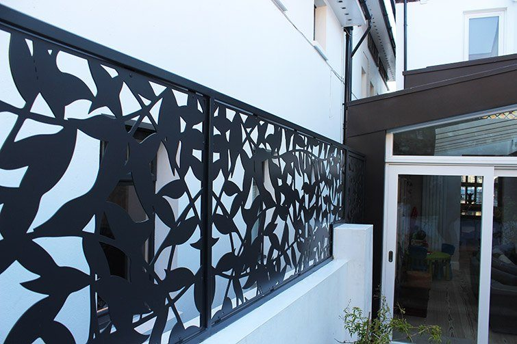 black powder coated stainless steel laser cut privacy screen