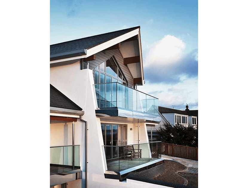 Residential cantilever balcony